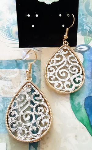 New goldtone rim with silvertone filigree center dangle earrings for Sale in Fullerton, CA