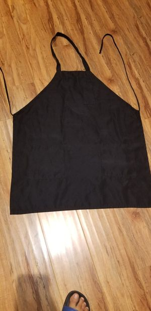 Apron good condition please don't ask if you not interested serious buyers only text me when you ready to pick up l have 15 total for Sale in Perris, CA