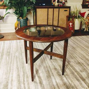 Vintage MCM Lamp Table for Sale in Moseley, VA