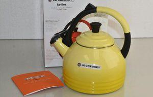 NEW Le Creuset 1.7 Quart Peruh Whistling tea kettle for Sale in Phoenix, AZ