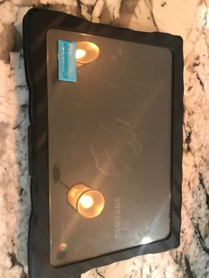 Google - Chromebook 13.3 with protective case and charger for Sale in Ramona, CA