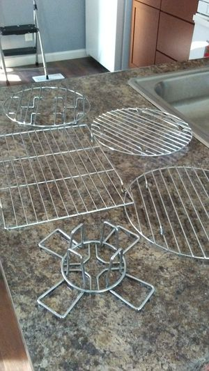 4 Cooling Racks and a Beer Butt Chicken Rack for Sale in Dubuque, IA