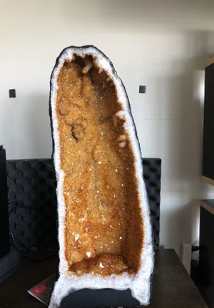 HUGE Cathedral Citrine Geode - AAA graded, 22 inches tall, 9 inches wide, 30 pounds for Sale in Los Angeles, CA