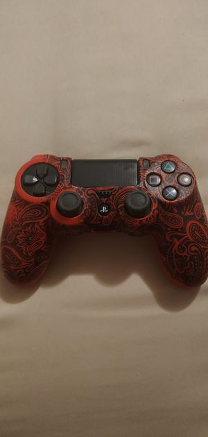 Used Ps4 controller with rubber skin. Controller works fine it's just an extra and I don't need it. for Sale in Highlands, TX
