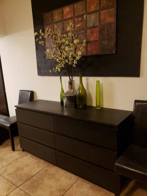 Livingroom chest, bedroom dresser for Sale in Miami, FL