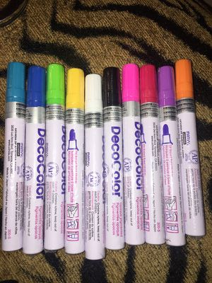 New set of 10 Deco Color paint markers for Sale in Tampa, FL