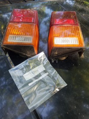 89-96 jeep cherokee taillights and bolts for Sale in Richmond, RI
