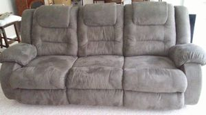 Grey sofa for Sale in North Ridgeville, OH