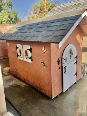 Kids wood Playhouse or extra large dog house. for Sale in San Bernardino, CA