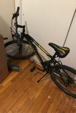 Schwinn mountain bike for Sale in Newton, MA