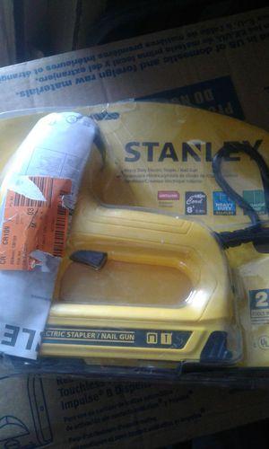 Stanley Heavy Duty 2 in 1 Electric Stapler/ Nail Gun TRE550Z for Sale in Phoenix, AZ