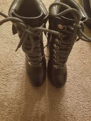 Dkny boots size 5.5 brand new for Sale in Fort Washington, MD