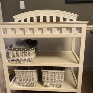 White Changing Table With Baskets And Pad for Sale in Bothell, WA