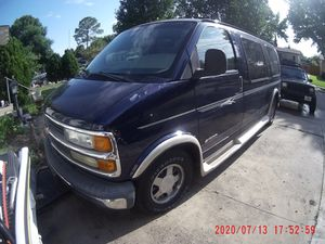 Chevy express 2002 for Sale in Irving, TX