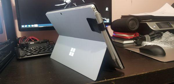 Surface pro 4 8gb ram i5 256 harddrive
