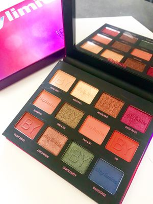 IBY beauty eyeshadow pallet for Sale in Los Angeles, CA