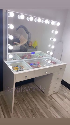 Petite glass top vanity w/ Bluetooth mirror (100 days with no interest) for Sale in Houston, TX