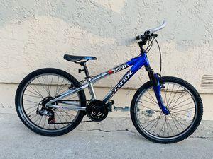 Trek m220 /small frame , lightweight, aluminum,mountain bike for Sale in East Los Angeles, CA