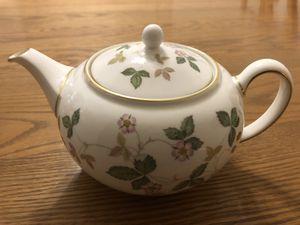 Wedgwood Bone China Wild Strawberry Tea Pot for Sale in La Verne, CA