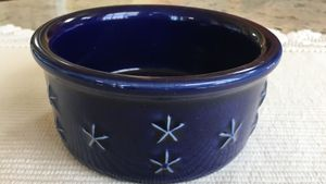 4-1/2 in dia, 2 in tall LONGABERGER Blue Dish. Made in the USA. Excellent condition for Sale in San Diego, CA