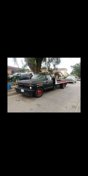 1979 Ford flatbed towtruck for Sale in Los Angeles, CA