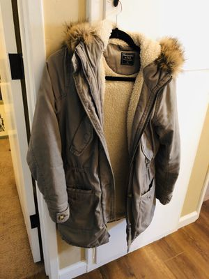 A&F Sherpa lined hooded parka coat XS for Sale in San Diego, CA