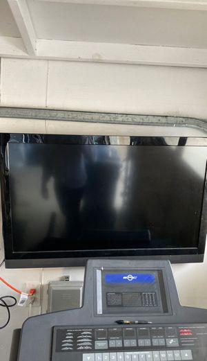 Vizio - 40 inch TV for Sale in Daly City, CA