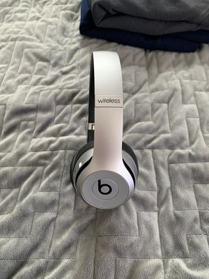 Beats solo wireless for Sale in Riverside, CA