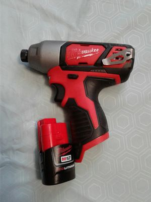 """Milwaukee 1/4"""" Hex Impact Driver 12V w/battery $80 for Sale in Everett, WA"""