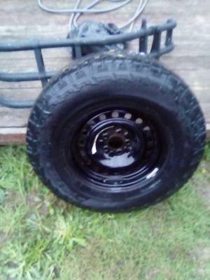 Tire p2/65 r70 16 inch Witt 5 lug rim for Sale in Kent, WA