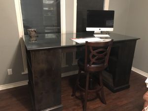 Large custom desk w/thick glass top & Stool for Sale in Carrollton, TX