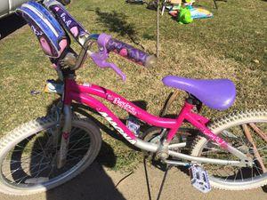 Girl pink bike for Sale in Sanger, CA