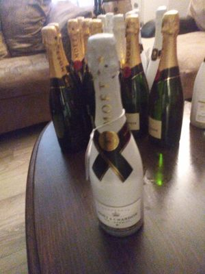 Moet for Sale in Nashville, TN