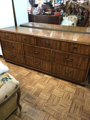 "Mid century modern dresser credenza Huntley by Thomasville campaign style chest of drawers 70 x 19 x 29"" for Sale in San Diego, CA"