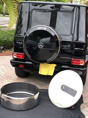 Mercedes-Benz G-Wagon Spare Wheel Parts. for Sale in Hialeah, FL