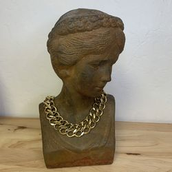 Vintage Chunky Gold Necklace for Sale in San Jose,  CA