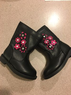 NWOT baby girl flower boots size 5c for Sale in Memphis, TN