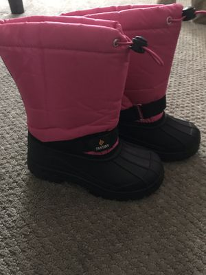 Fantiny kids snow boots for Sale in Wickliffe, OH