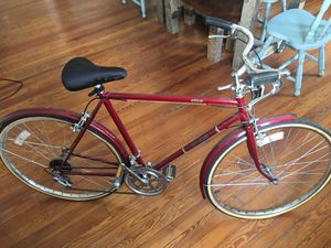 Free Spirit Road bike (Brittany model) for Sale in Atlanta, GA