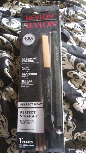 Revlon hair straightener for Sale in Tacoma, WA