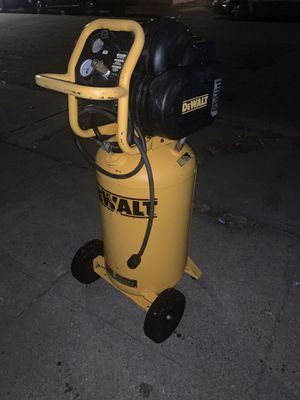 DEWALT COMPRESSOR D55168 for Sale in Berkeley, CA
