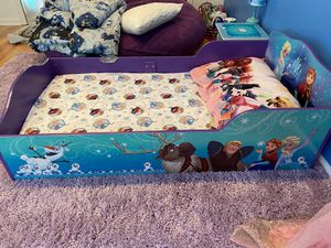 Frozen Bedroom Set for Sale in Manalapan Township, NJ