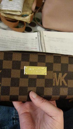 Michael kors wallet for Sale in Lakewood, CO