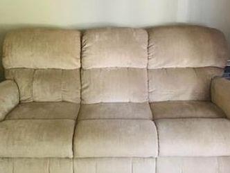 La-z Boy Power Reclining Sofa for Sale in Harrison charter Township,  MI