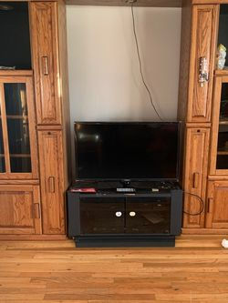 TV Entertainment Case for Sale in Chelmsford,  MA
