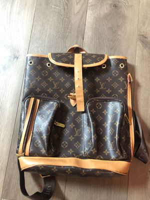 Louis Vuitton back pack bag for Sale in Milwaukee, WI