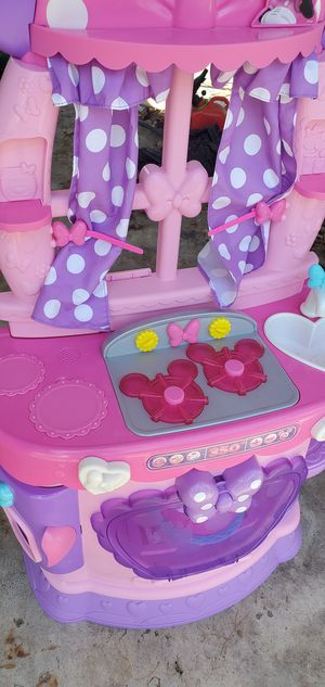 Minnie Mouse Interactive Kitchen for Sale in Galloway, OH