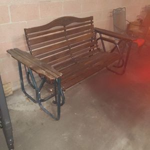 Swinging Porch Bench for Sale in Commerce, CA