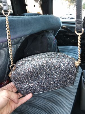 Brand New women's silver glitter carrying bag for Sale in South El Monte, CA