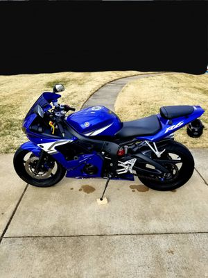 2004 Yamaha R6 Super Sport Motorcycle for Sale in Vanport, PA